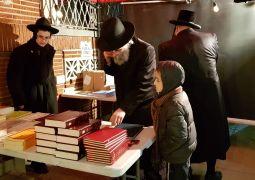 יריד ספרי חסידות ענק באירוע הנס של רובשקין